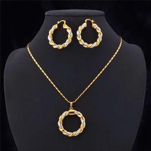 Jewelry - New 18K Gold Round Pendant Necklace Set